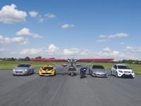 Véhicules de course sur le Circuit Lurcy-Levis